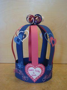 Meiden verjaardagsmuts Student Gifts, Sweet Girls, Lunch Box, Birthdays, Paper Crafts, Crown, Artwork, Kids, Google