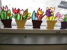 spring flower decoration on the window- frühlingshafte Blumendeko am Fenster spring flower decoration on the window - Spring Activities, Craft Activities For Kids, Crafts For Kids, Arts And Crafts, Spring Art, Summer Art, Spring Crafts, Easter Art, Easter Crafts