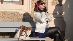 Strangeness and Charms: SHOOTING: colour block sweater & scuba skirt, golden sneakers & pink headphones.