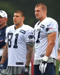 The Best TE's in the NFL. Aaron Hernandez and Rob Gronkowski!