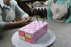 Mari-Louis deel nuwe neigings Dessert Book, Man Food, Beautiful Cakes, Tart, Sweets, Baking, Desserts, Recipes, Guy