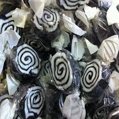 Liquorice Whirls are a great looking sweet; they are liquorice and toffee swirled together. Old Sweets, Retro Sweets, Childhood Toys, Early Childhood, Childhood Memories, Retro Sweet Shop, Old Fashioned Sweets, British Sweets, Sweets Online