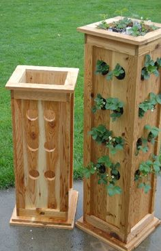 Planter - Patio Tower Planter for Strawberries, Herbs or Ornamental Plants I think Kurt could build this. Outdoor Projects, Garden Projects, Wood Projects, Woodworking Projects, Lawn And Garden, Garden Beds, Strawberry Planters, Strawberry Tower, Strawberry Garden