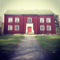 A old swedish house in the country side. By the look of it could have been once upon a time a old schoolhouse.