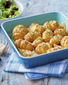 Our Super 6 baking potatoes are perfect for this Crispy Parmesan Potatoes recipe. This will go great with a roast lemon chicken to truly top off this Sunday's roast. Vegetable Salad, Vegetable Side Dishes, Potato Dishes, Potato Recipes, Crispy Parmesan Potatoes, Aldi Recipes, Edible Creations, Dinner On A Budget, Sunday Roast