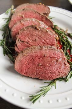 Beef-Tenderloin-With-A-Red-Wine-Mushroom-Sauce carne, meat recipes, meat me Meat Recipes, Dinner Recipes, Cooking Recipes, Meat Meals, Yummy Recipes, Steak Dinners, Dinner Dishes, Dessert Recipes, Christmas Dinner For Two