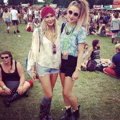 V Festival Fashion. Spotted. Bindis and Turban Babes