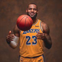 Lebron James Finals, Lebron James Poster, King Lebron James, Lebron James Lakers, King James, Nba Players, Basketball Players, Sports Basketball, Basketball Court