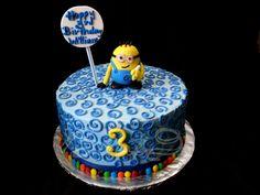 "8"" minion cake, buttercream and minion topper Minion, banana, despicable me, blue, cake for boy, M&M"