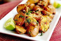 Chipotle and Lime Roasted Potatoes - Tasty Kitchen Oven Recipes, Side Recipes, Cooking Recipes, Healthy Recipes, Cookbook Recipes, Recipies, Roasted Potato Recipes, Roasted Potatoes, Baby Potatoes