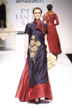 By designer Joy Mitra. India Fashion Week, Fashion Week 2016, Lakme Fashion Week, Ethnic Fashion, Indian Fashion, Womens Fashion, Indian Dresses, Indian Outfits, Shadi Dresses