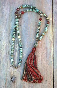 Mala collar de 108, 8 x 5 mm - 0,315 x 0.197 pulgadas, piedras preciosas turquesa africanas hermoso y decorado con jade, hematites, ágata y jaspe. La longitud total de la mala es aproximadamente 74 cm 29,13 pulgadas.