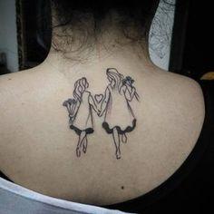 Mais uma tatuagem de mãe e filha criada com muito amor ♡
