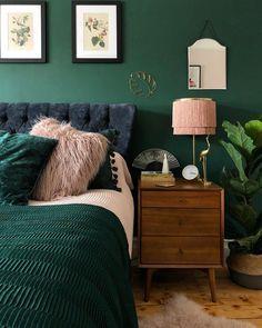 Home Interior Design Green Bedroom Color - Bedroom Color Ideas Interior Design Green Bedroom Color - Bedroom Color Ideas Green Bedroom Colors, Green Bedroom Design, Design Living Room, Bedroom Paint Colors, Wall Colors, Bedroom With Green Walls, Dark Green Rooms, Green Bedding, Accent Colors