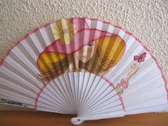 Lasmanualidadesdesule Hand Held Fan, Hand Fans, Fancy Hands, Vintage Fans, Victorian Fashion, Diy And Crafts, Projects To Try, Anime, Inspiration