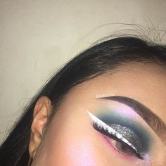 """Cosmic Vibes   Product Details: ✨Eyes: @morphebrushes 35B Palette @bulkglitters Night Sky @nyxcosmetics White Liner @pinkyrosecosmetics Queen 3D Silk Lashes ✨Brows: @anastasiabeverlyhills Dip Brow Pomade in Ebony ✨Highlight:  @bahicosmetics Storm Highlight Use my code """"ashysabelle"""" for $$ off!!"""