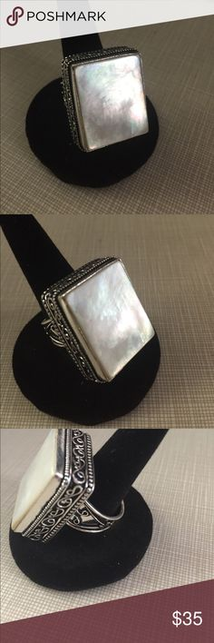 Mother of pearl shell antique design ring Pretty mother of pearl antique design ring size 7 1/2 artisan handcrafted silver stamped 925 inlay gorgeous and substantial stylish ring Nwot Jewelry Rings