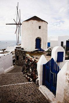 Windmill in Santorini, Greece Water Tower, Le Moulin, Covered Bridges, Wanderlust Travel, Greek Islands, Architecture, Wonders Of The World, Holland, Dutch Windmill