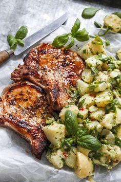 Sommerkoteletter med lun potetsalat – Ida Gran-Jansen
