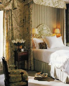 Dan Carithers Interior Design features Scalamandre Pillement toile. Southern Accents Jan-Feb 2002