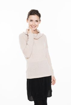 LeMuse kūryba. LeMuse creamy sweater with open back and mettalic pearls buttons
