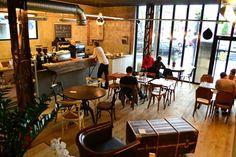 Café Lomi -  3 rue Marcadet, 75018  http://parisfaitlaparisienne.over-blog.com/caf%C3%A9-lomi-l-art-du-caf%C3%A9