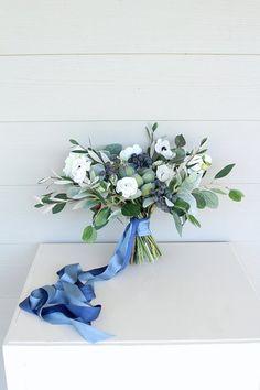 ideas for succulent wedding bouquet groom boutonniere Boquette Wedding, Blue Wedding, French Wedding, Destination Wedding, Wedding Ideas, Wedding Dresses, White Wedding Flowers, Flower Bouquet Wedding, White Flowers