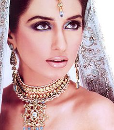 J691 JEWELLERS IN PAKISTAN, JEWELLERY, KARACHI, GOLD, DIAMOND, JEWELLERY, JEWELRY, EXPORTERS, MANFACTURER Diamond Like