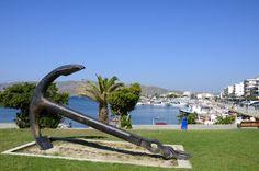 Karistos op Evia in Griekenland. Greece Travel, Athens, Trips, Architecture, Viajes, Arquitetura, Greece Vacation, Traveling, Architecture Design