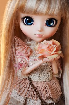 this is a doll , with the most gorgeous eyes ive ever seen ;o
