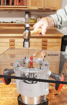 17 of Our Favorite Router Tips | Popular Woodworking Magazine Diy Router, Best Wood Router, Router Table, Router Woodworking, Woodworking Magazine, Woodworking Techniques, Popular Woodworking, Woodworking Projects, Router Plate