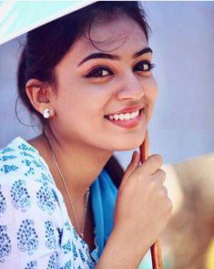 Wallpaper simple girl Ideas for 2019 Beautiful Girl Indian, Beautiful Indian Actress, Beautiful Actresses, Sonam Kapoor, Deepika Padukone, Nazriya Nazim, Indian Girl Bikini, Actors Images, Hd Images