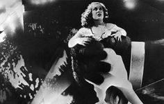 American actress Fay Wray in the clutches of King Kong in a scene from the Hollywood horror movie' King Kong' directed by Merian C Cooper and Ernest. Classic Monster Movies, Classic Monsters, Godzilla, Happy Birthday King, King Kong 1933, Fay Wray, Film Pictures, Merian, Adventure Film