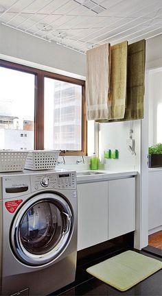 A área de serviço dos apartamentos pequenos é aquele lugar onde você tem que…