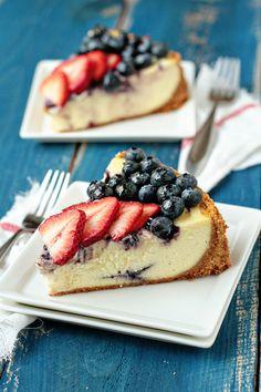 Blueberry and Strawberry Ricotta Cheesecake from Wise Lothridge of My Baking Dessert Ricotta Cheesecake, Cheesecake Recipes, Dessert Recipes, Blueberry Cheesecake, Queso Ricotta, Strawberry Blueberry, Dessert Food, Pumpkin Dessert, Pumpkin Cheesecake