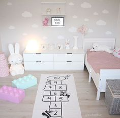 Low drawer dresser Low drawer dresser The post Low drawer dresser appeared first on Kinderzimmer ideen. Baby Bedroom, Baby Room Decor, Girls Bedroom, Bedroom Decor, Ikea Girls Room, Little Girl Bedrooms, Toddler Rooms, Toddler Girl, Girl Bedroom Designs