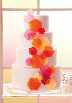 A fused glass-inspired wedding cake is the perfect dessert for a wedding at Ignite Glass Studios! #weddingcakes