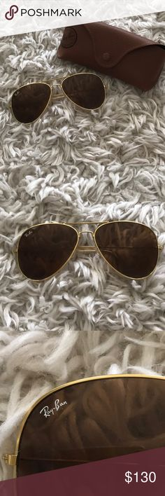 a9ca2c5c6ed Ray-Ban Classic Aviators Large Gold These are in excellent condition! They  are very