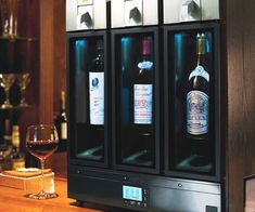 Get serious about caring for your precious fermented grape juice by storing it inside the wine preservation system. Built to the highest of standards, the vacuum technology keeps open wine bottles fresh for days at the ideal drinking temperature.