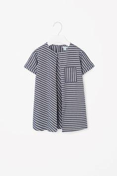 детское платье в полоску простого кроя но с интересной комбинацией полосок. Das Kleid für ein kleines Mädchen