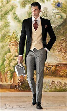 Traje de novio Chaqué negro de raso satén extra coordinado con pantalón de etiqueta.