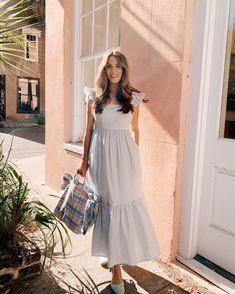 Gal Meets Glam Daily Look featuring Julia wearing a GMG Collection dress , Pamela Munson tote, and Castaner espadrilles. Modest Outfits, Modest Fashion, Stylish Outfits, Fashion Dresses, Hipster Outfits, Grunge Outfits, Fashion Fashion, Gal Meets Glam, Spring Dresses