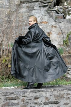 Lederatelier Miceli - Maßanfertigung in Leder Revers, Street Rods, Rear View, Raincoat, Coats, Female, Leather, Jackets, Hot Rods