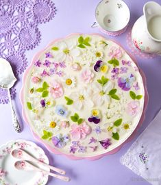10 kukan kakku | Reseptit | Kinuskikissa Something Sweet, Pudding, Plates, Tableware, Cake, Desserts, Food, Wedding Ideas, Instagram