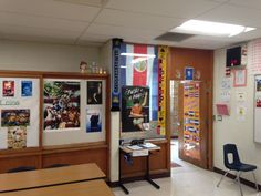 Here's what our Spanish classroom looks like. Take a peek: http://spanishplans.org/2015/08/24/spanish-classroom-tour/