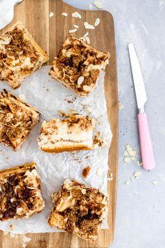 Hier findest du ein einfaches Rezept für einen schnellen Apfel Blechkuchen mit Zimt #blechkuchen #apfelkuchen #applecake