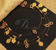 Stylish Necklace Set From Dreamjwell ~ South India Jewels Antique Jewellery Designs, Gold Jewellery Design, Gold Jewelry, Antique Necklace, Necklace Set, Gold Necklace, Bridal Necklace, Silver Necklaces, Handmade Necklaces