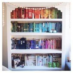 I think I could be friends with this bookshelves owner.