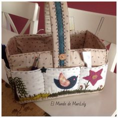 Use motifs from etui Fabric Storage Baskets, Fabric Boxes, Sewing Baskets, Japanese Patchwork, Patchwork Bags, Patch Bordado, Sewing Crafts, Sewing Projects, Sewing Caddy