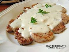 pork sirloin with roquefort sauce Source by ironcucci Pork Recipes, Low Carb Recipes, My Favorite Food, Favorite Recipes, Lechon, Apple Chicken, Portuguese Recipes, Spanish Recipes, Portuguese Food